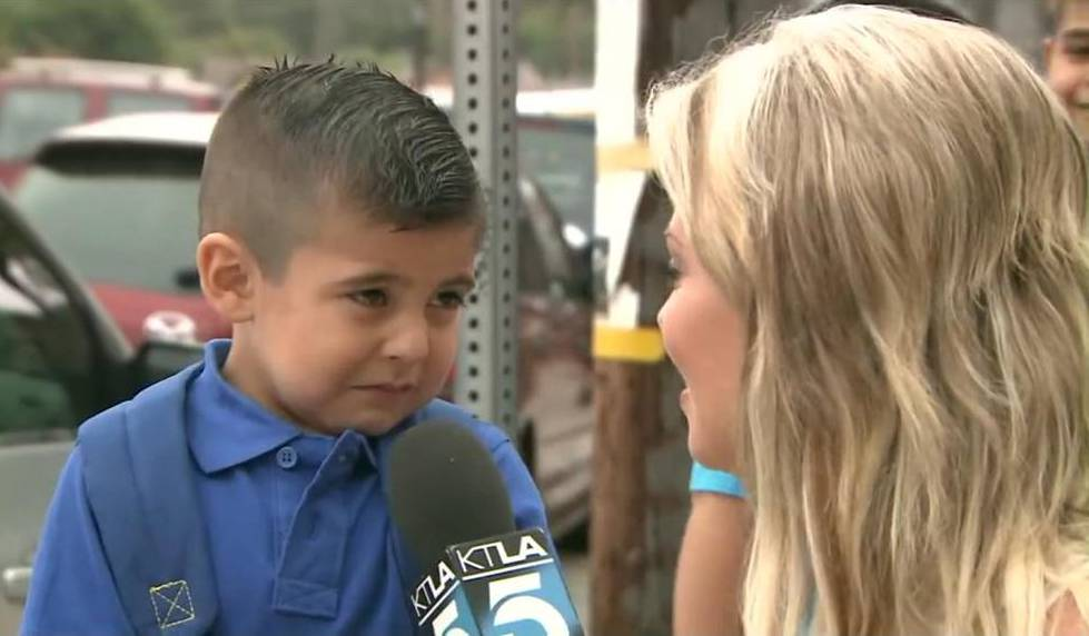 reporter makes 4-year-old kid cry on first day of school